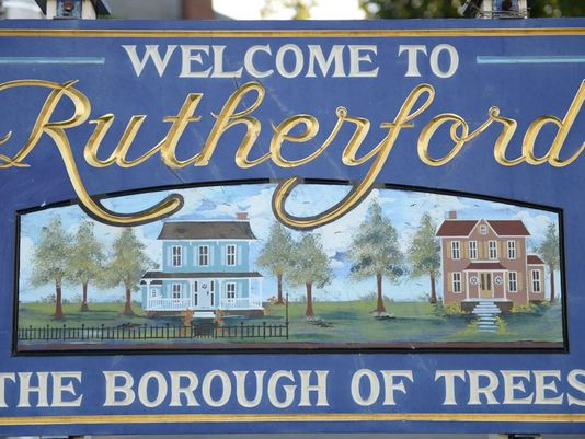 Rutherford closes in on Airbnb ban, prohibits short-term